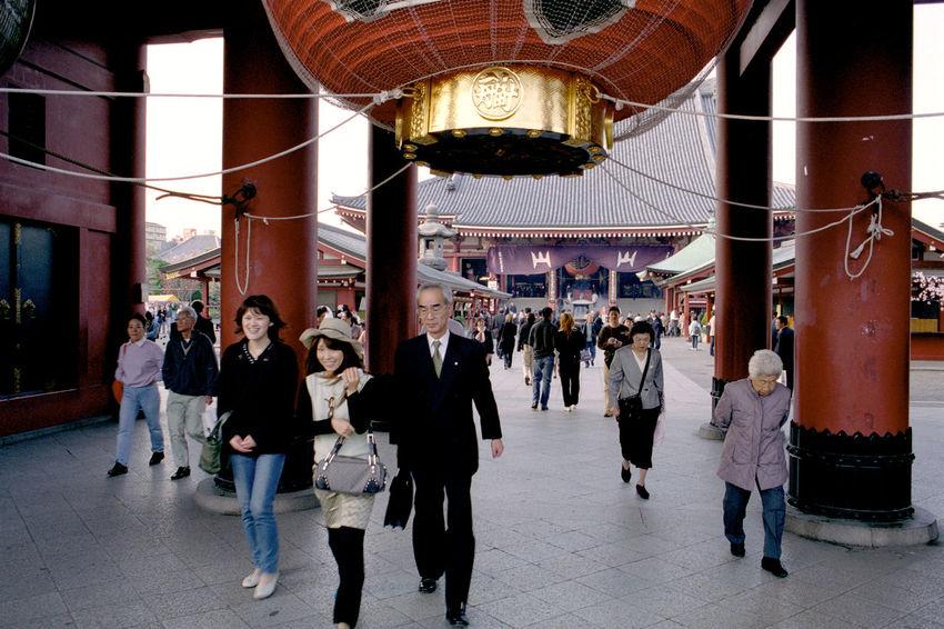 Asakusa, Tokyo, Japan Analogue Photography Film Japan Tokyo Asakusa Daylight Kannon Temple People Walking  Temple