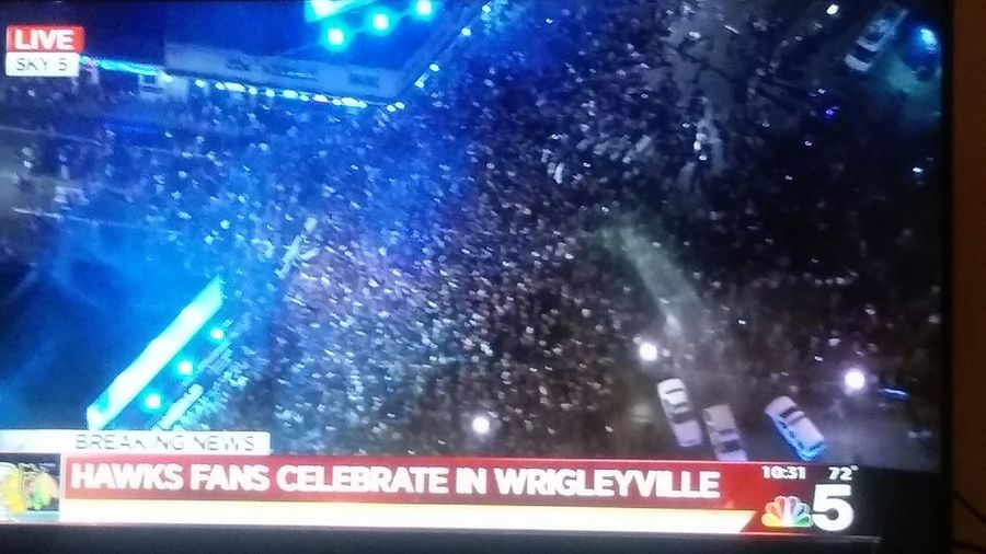 Party Time The City Is Chaos Hawks Win! Streets Of Chicago Go hawks! See you at the parade!! Wooo! One Goal