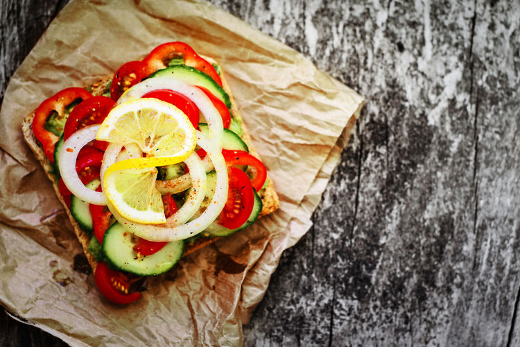 Food Food And Drink Freshness Vegetable Healthy Eating Ready-to-eat Directly Above Bread Close-up Sandwich Tomato SLICE High Angle View No People Vegetarian Food Snack Vegan Breakfast Rustic Lemon Fast Food Colorful