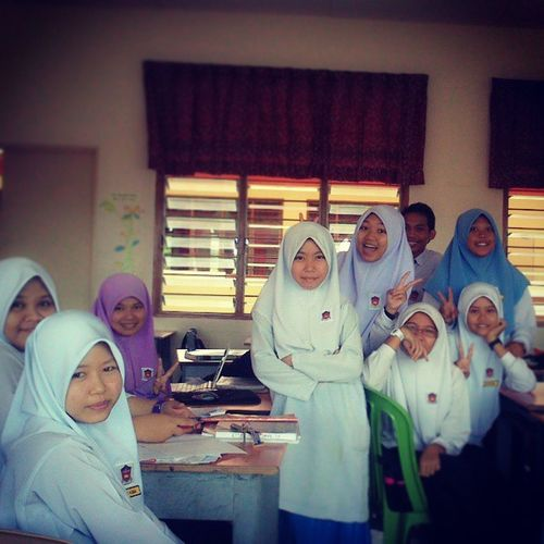 Classmate 5delima School Happy