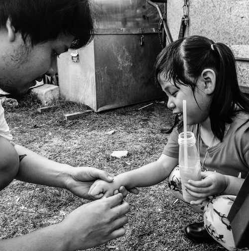 Thailand EyeEm Thailand Thailand_allshots Man Children Happy Good Mood Streetphotography Streetphoto_bw Blackandwhite Black & White Blackandwhite Photography Photography People Girl Telling Stories Differently Student Feel Feelings Shake EyeEm Best Shots - Black + White Monochrome Photography IPhoneography Fatherhood Moments Eye4black&white  Welcome To Black