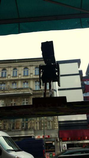 Modelbein. Maschinenschönheit. Stadtstrich. Gegenlicht Berlin Popart Kunst