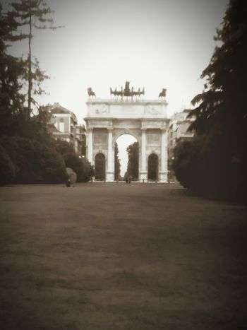 Outdoors No People Architecture Triumphal Arch Nature Built Structure City Milano