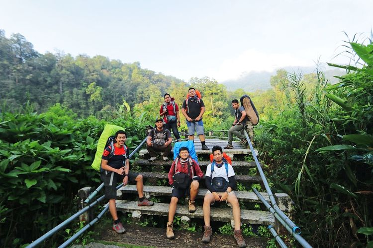 Togetherness Friendship Young Adult Rural Scene Outdoors Adventure Happiness Group Of People Boys Vacations Nature Photography Mountain Indonesiamountains Sky Tree Nature Relaxation Gede Pangrango People And Places Lifestyles
