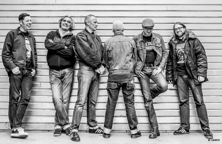 "We rock ! ""RAS"" photo de Ifleouf ❤️ RAS Skinhead N Punk Gibus Club Skunk Oi Punk Rock Music Black And White Blackandwhite Rockband"