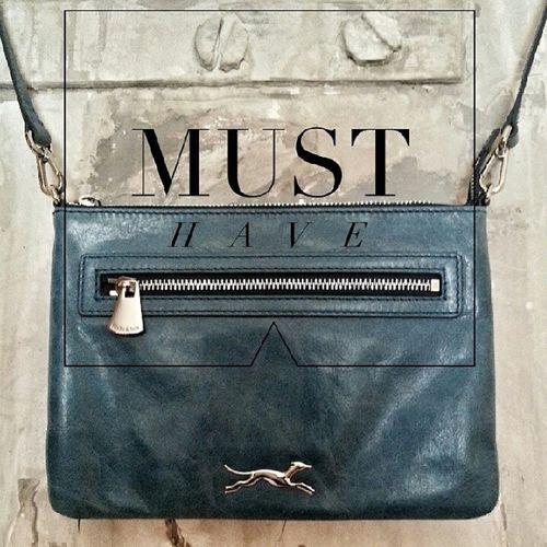 Hay que aprovechar las Rebajas para tener los MustHave al mejor precio. Ya tengo mi Bag de Bimbaylola ?!