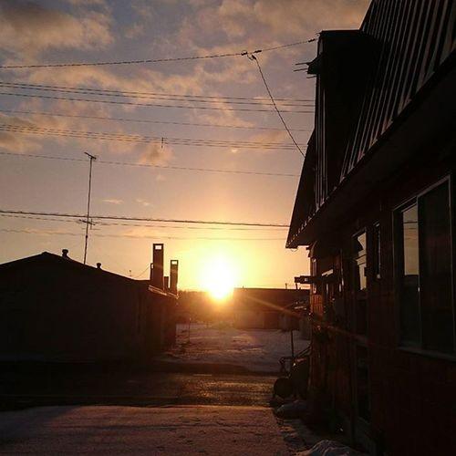 なおphoto 今朝の御来光 -1℃ 今朝は暖かい いつもの場所から 夜明け 朝陽🌅 自宅前