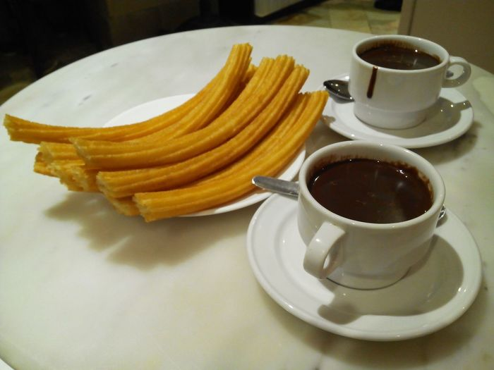 Chocolate Con Churros Chocolate ChocolateriaSanGines Hot Chocolate Chocolateaddict Chocolate♡ Madrid Spain Delicious Churrosconchocolate Churros Y Chocolate Churros Con Chocolate Churros With Chocolate Churreria San Gines SanGinés Madrid