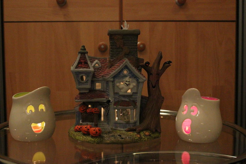 Happy Halloween! Burning Candles Small_world Gost