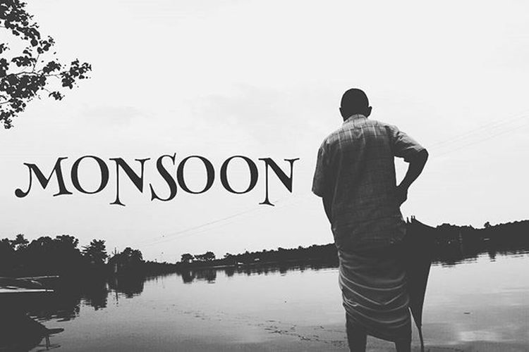Who wouldn't love these late November rains . I always wanted to light a cigarette and have some black tea staring at the moon on a full moon day... Kerala India Monsoon Rain Love Tea Black Noir Man Old Man Love Water Insta Instagood Reflection Bnw