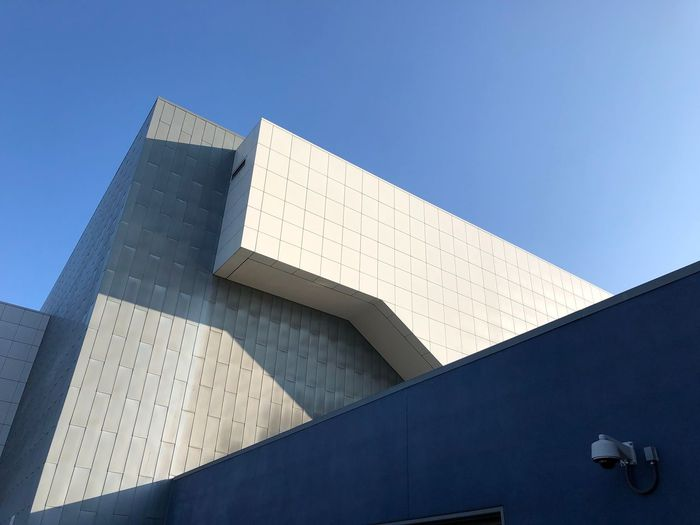 Geometric Shapes Minimalist Modern Triangle Shape Geometric Shapes Architecture Built Structure Building Exterior Low Angle View Sky Building Modern