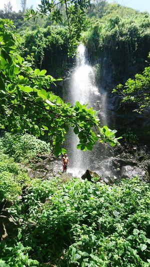 Waterfall Reunion Island Green Water Rocks Xperia Z5 Beautiful Anse Des Cascades