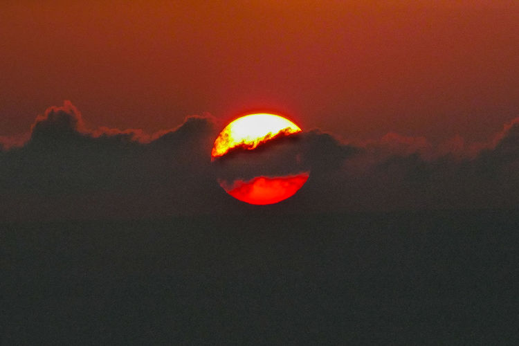 Sky Sunset Cloud - Sky Beauty In Nature Scenics - Nature Orange Color Nature Tranquility Tranquil Scene Red Space Sun Astronomy No People Outdoors Idyllic Majestic Natural Phenomenon Environment Eclipse Dark