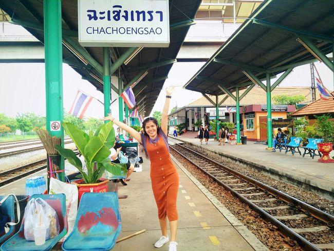 ฉะเชิงเทรา มองจากสายตา Growth Thailand Single เพื่อนร่วมทาง Only Women Girls Smiling Friends ♥ Tree Sky Low Angle View Good One Day Trip