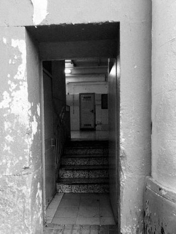 Built Structure Architecture Door Prison Carcelesdelmundo Abandoned Artistic Expression Prision Jail Indoors  Photographing Shooting Photos Forgetplaces Abandonedbuilding Abandoned Places Photography Themes Architecture