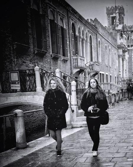 beauties in Venezia | #ShotOniPhone6S #Hipstamatic app | Snapseed #youmobile Youmobile Young Women Two People Shootermag Wearegrryo EyeEm