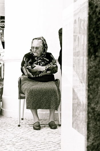 Chest Of Drawers Comfort Funny Faces Funny Moments Humor Kvission Look Mónica Nogueira. Portugal Streetphotography To Watch Traditional Costume Traditional Culture Traditional Woman Travel Destinations Traveling Vertical Panorama Womanstyle The Street Photographer - 2016 EyeEm Awards