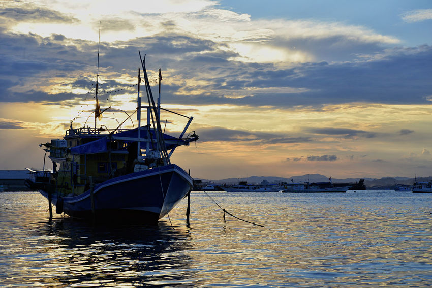 Beauty In Nature Boat Cloud Cloud - Sky EyeEm Best Shots EyeEm Gallery Mast Mode Of Transport Moored Nature Nature_collection Nautical Vessel Sailboat Scenics Sea Sea And Sky Sky Sunset Tranquil Scene Tranquility Transportation Travel Water Waterfront Kendari Bay