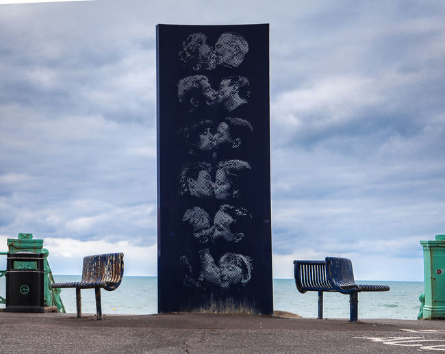 Scultpture - come togther - Kiss Beach Chair Cloud - Sky Come Together Day Deck Chair Horizon Over Water Kids Nature No People Outdoor Chair Outdoors Sand Scenics Scultpture Sea Seat Sky