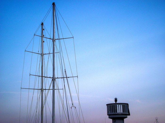 Sailing Boat Sailing Times Focus On Details Sailboat Photography Sailboat Part Parts Of A Boat Summer Views Mainsail Of A Boat Mainsail Boats⛵️ Clear Sky Blue Bird City Sky Architecture Building Exterior Built Structure