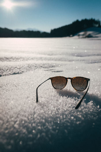 Glasses Nature No People Eyeglasses  Sunglasses Cold Temperature Outdoors Fashion Eyewear Snow Winter Snow Flakes Suny Day Personal Accessory Style