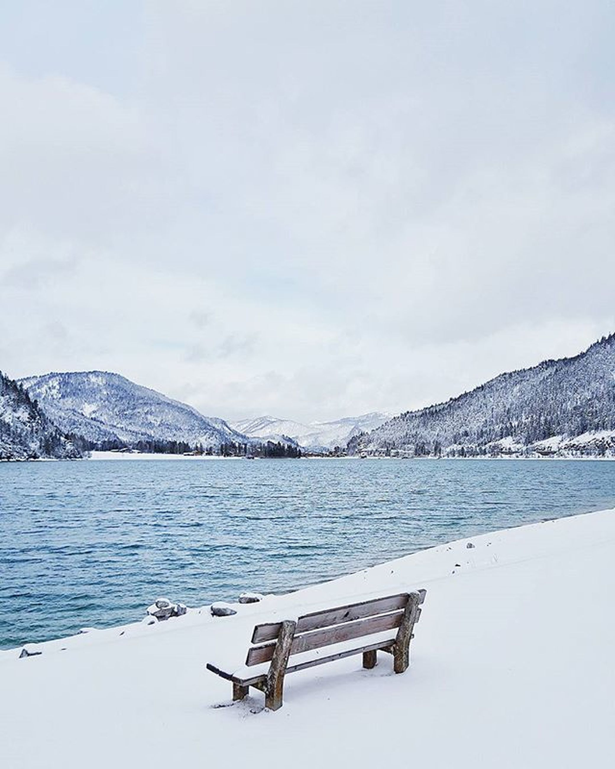 snow, winter, cold temperature, mountain, season, tranquil scene, mountain range, scenics, tranquility, weather, beauty in nature, sky, snowcapped mountain, lake, nature, water, covering, non-urban scene, landscape, cloud - sky