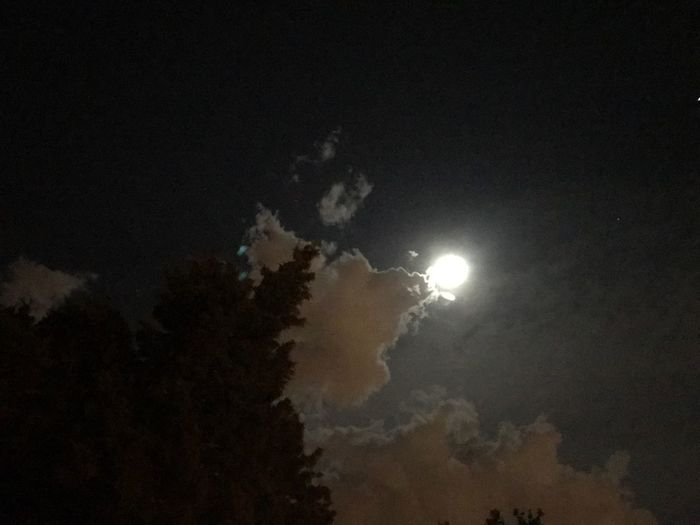 Night Moon Tranquility Outdoors No People Astronomy Hello World Check This Out Cloud - Sky Illuminated Taking Photos View