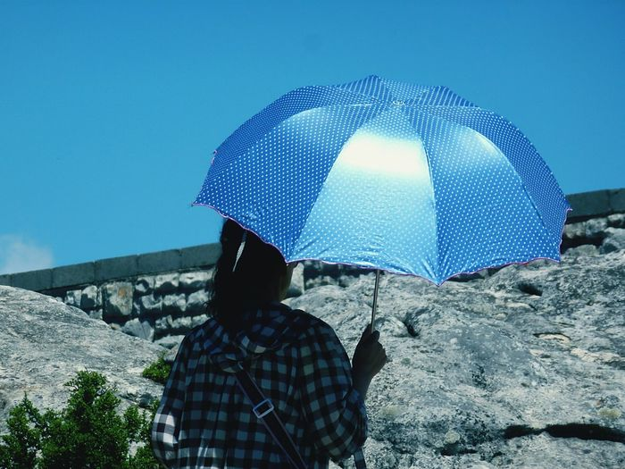 under my umbrella, brella, brella, ... Umbrella☂☂ Umbrella Umbrella In The Sun Sunny Day Sunny Day 🌞 The Street Photography - 2016 EyeEm Awards The Street Photographer - 2016 EyeEm Awards Blue Umbrella Blue Sky Background Natural Light Portrait Showcase June On The Way Eye For Photography EyeEm Best Shots Eyem Best Shots EyeEm Gallery Check This Out Colour Of Life light and reflection Enjoy The New Normal Adapted To The City Lieblingsteil Sommergefühle Love Yourself