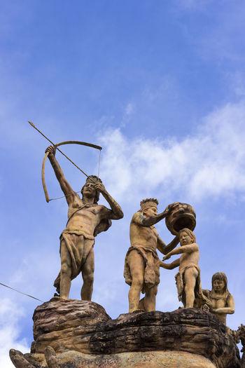 Matémonos, para que no nos maten Art And Craft Female Likeness Human Representation Memorial Representation Sculpture Sky Statue