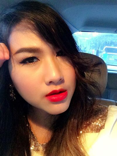 Red lip...