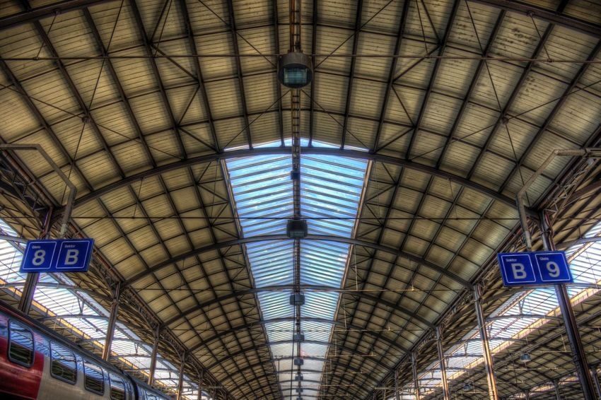 DDESIGN HDR PICTURE Hdrphotography Hdr Edit Hdr_Collection EyeEm Best Shots HDR First Eyeem Photo Ceiling Indoors  Arch Built Structure Architecture No People Pattern Railroad Station Text Low Angle View Day Travel Lighting Equipment Transportation Western Script Roof Public Transportation Rail Transportation Communication Travel Destinations The Street Photographer - 2018 EyeEm Awards The Photojournalist - 2018 EyeEm Awards The Architect - 2018 EyeEm Awards EyeEmNewHere