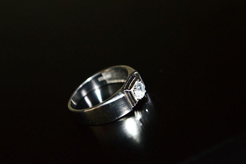 Weddingstory Rings♥ symbol of Love Macrophotography Reflection Black & White Nikonphotography