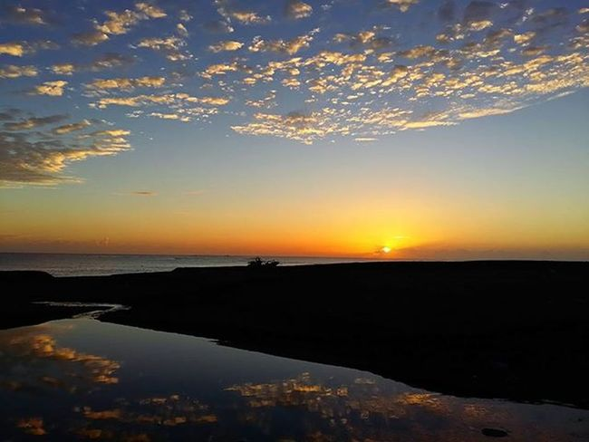 希望的曙光 flush of hope Sunrise Hope Sea Cloud Taiwan Boats River Sky Flush Hualien 日出 曙光 希望 七星潭 花蓮 臺灣 雲 天空