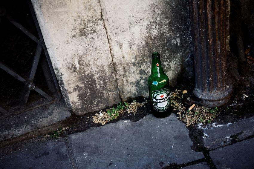Heineken Beer Drink Street Photography Cityscape Street Fine Art Architecture Town Still Life Beautiful Tabaco No People EyeEm Best Edits Capture The Moment Trash Art Green Bottle EyeEm Best Shots Travel Destinations Roma 酒 ローマ EyeEmNewHere Your Ticket To Europe