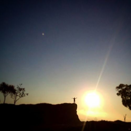 I'am So Small Sanpicture Grapictoolens Gadgedgrapher Sunrise_sunsets_aroundworld Nationalgeographicnature Nationalgeographicadventure Natural Natgeotravelpic Natgeo Siluetphoto XPERIA Sonyxperia Sony Sonymobile Sonyxperia