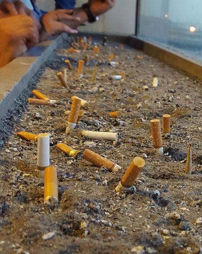 Close-up Human Hand Ciggarettes Ciggarette For A Thousand Problems Ciggarette's Smoke Ciggarette Ash Ciggarette Filter Smoke