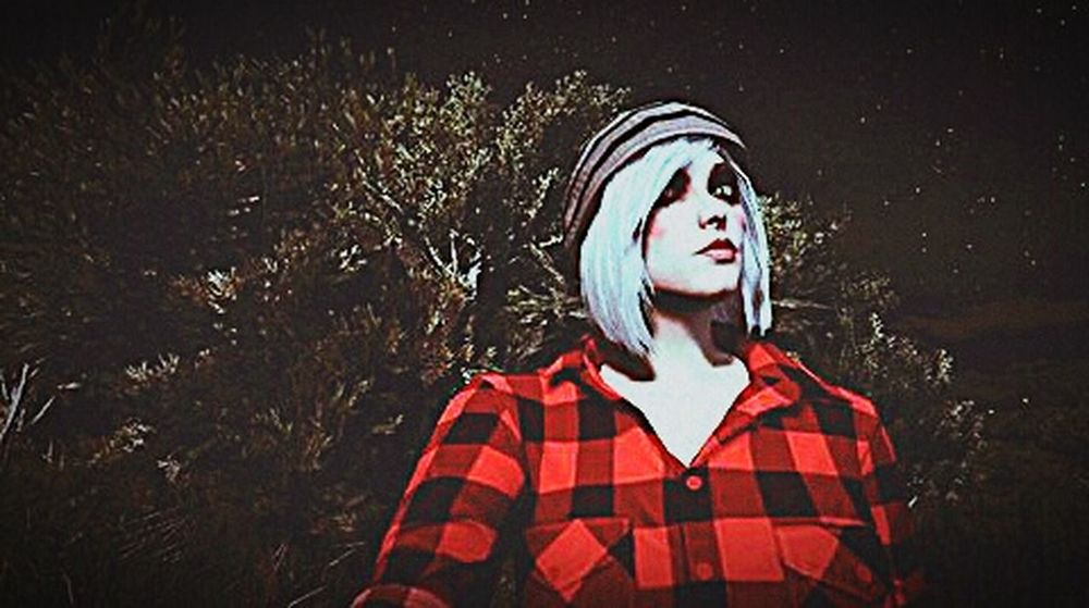 Magic Night Night Young Women Headwear GTAV Red Young Adult Magical Magic Forest Hipstergirl Hipster Style Adult Dark Only Women One Woman Only Blond Hair One Young Woman Only People One Person Adults Only Spooky Headshot Human Body Part Women Halloween Outdoors