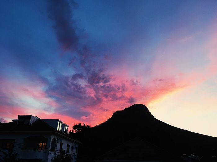 Dramatic sunset, Cape Town. Building Exterior Cape Town Clouds Cloudscape Dramatic Sky Evening Mountain Pink Sky Sunset Sunset_collection