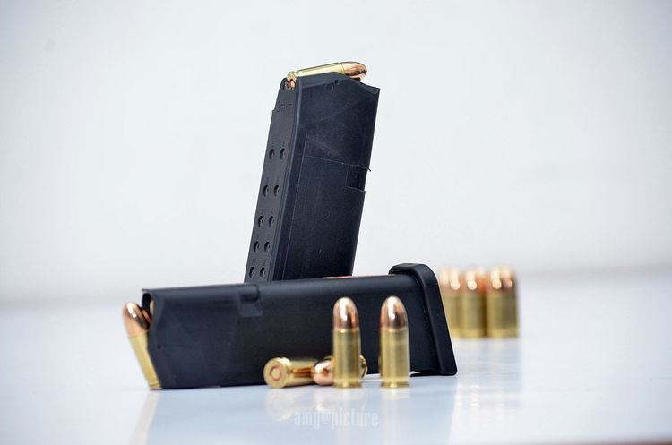 Magzine Magzineshoot Bullet 9mm Glock17 Isolated White Background Armor Army Life No People StillLifePhotography Shooting Indoors  Trening