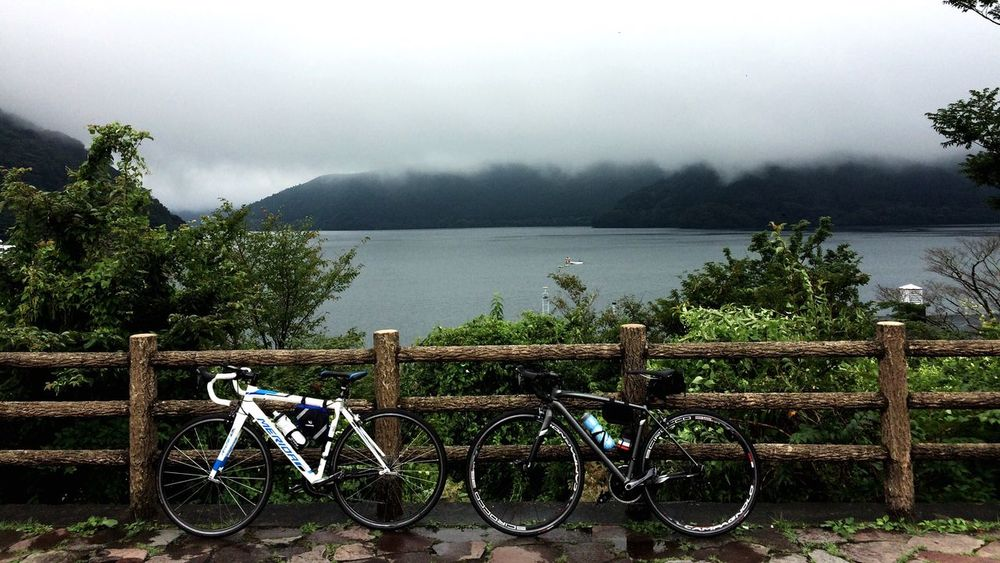 Two Is Better Than One Myfriend Specialized Japan Hakone Ashino Lake Railing Fence Mérida Water Scenics Tranquility Mountain Countryside Solitude Non-urban Scene Nature Growth Beauty In Nature Farm Day Cloud - Sky Rural Scene Remote Green