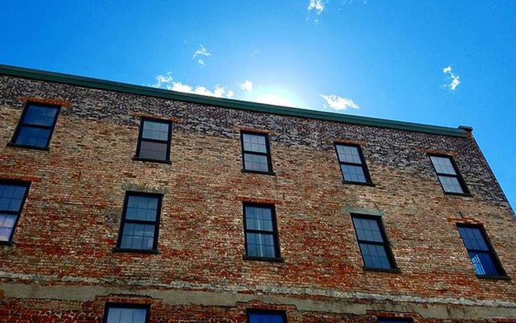 Peeking sun Sun Brick Building Sky Clouds Poughkeepsie NY Newyork Mahoneys Stpatricksday Latergram