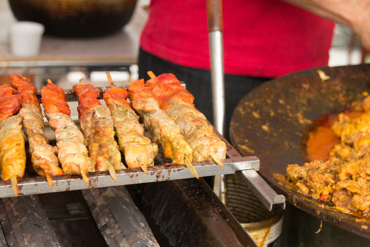 Barbecue Close-up Compositions Cooking Festival Food Food And Drink Foodie Freshness Grilled Heat - Temperature Holiday Indian Food Market Stall Meal Meat Moments Ready-to-eat Roasted Samosa Show Us Your Takeaway! Still Life Taste Good Walking Around The City  Yummy