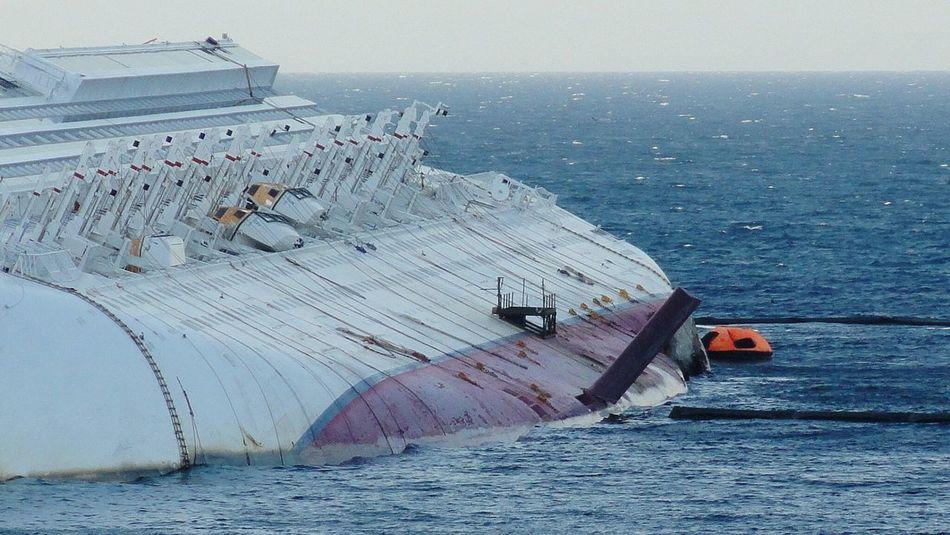 Costa Concordia Drowned Isola Del Giglio Ship Ships