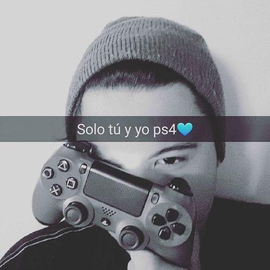 Entre mi play y yo, puro amor Sony PS4 Gamer Gamerguy Fun Starwars Love Chile Likeforlike Likes
