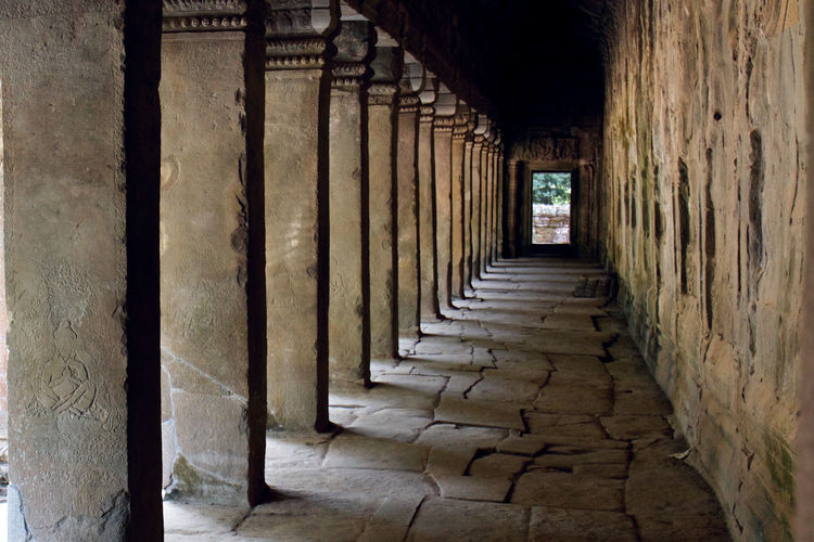 Architectural columns in angkor wat
