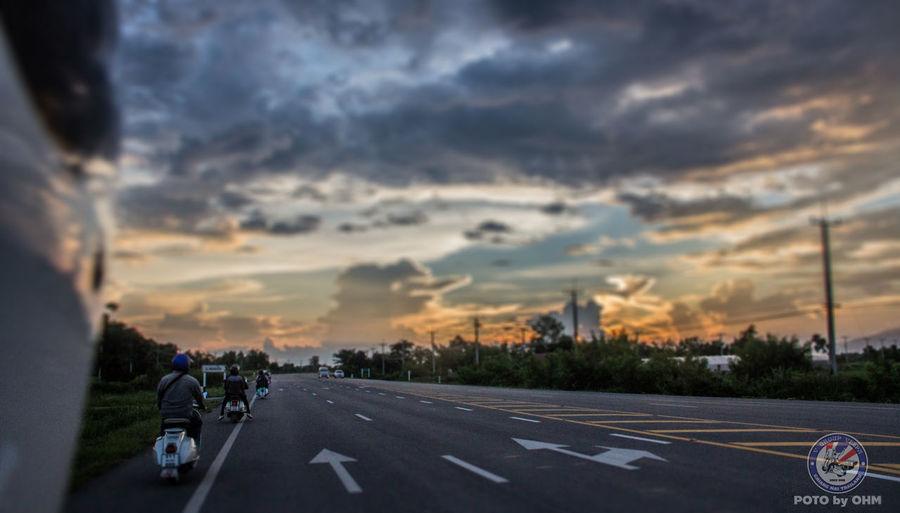 64s City Cloud - Sky Horizontal Ohmphotography On The Road Orange Outdoors Road Sky Sprint Sunset Trip V-group Vespa