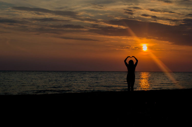 Carefree Heart Shaped  Horizon Over Water In The Mood For Love Love Sea Seascape Silhouette Sunset Vacations
