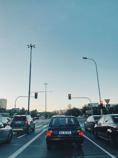 Traffic on highway in city