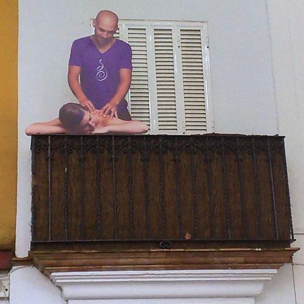 Masaje en el balcón Sevillahoy InstaSevilla Sevillagramers Sevillagram MegustaSevilla