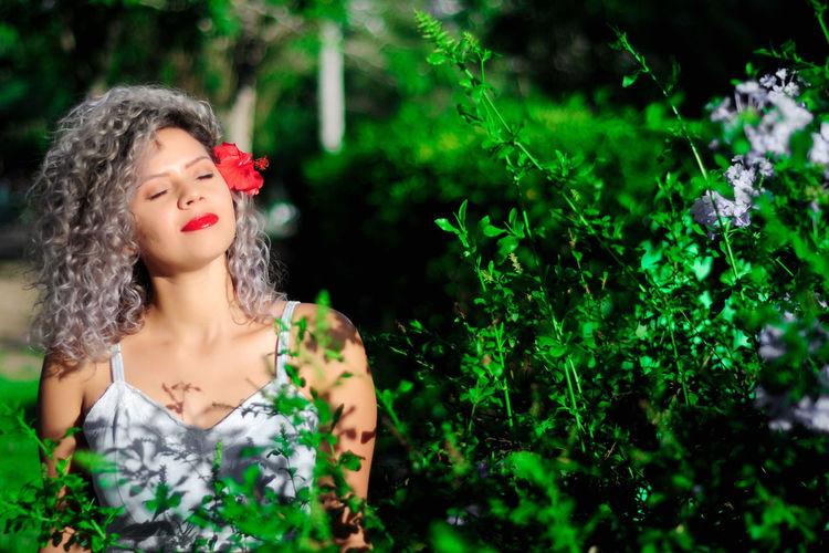"""""""E olhando em teus olhos me perdi, escrevi lindamente imaginando algo que jamais chegaria a acontecer, de todas as formas se tornou minha poesia, minha música, minha inspiração..."""" JPortrait Studio Jhon Anderson Linda Modelo Morena Portrait Of A Woman Portraits Studio Woman Encanto Inspiração Model Modelo Poesia Poeta_jhon Portra Portrait Portraiture Studio Photography Studio Shot Woman Portrait This Is Natural Beauty"""